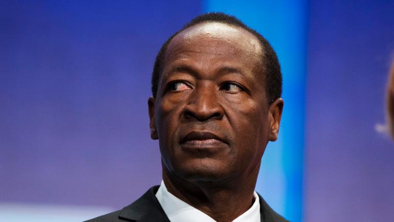 https: img.okezone.com content 2021 04 14 18 2394732 mantan-presiden-burkina-faso-didakwa-atas-pembunuhan-pendahulunya-rLMV3VzV0u.jpeg