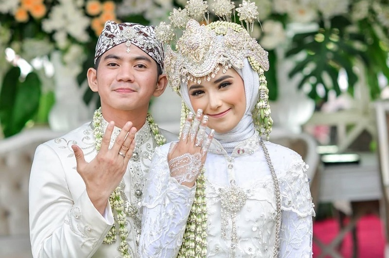 https: img.okezone.com content 2021 04 14 33 2394341 baihaqqi-syaki-ramadhan-nama-anak-pertama-rizki-da-dan-nadya-mustika-rahayu-VssRIlPZsQ.jpg