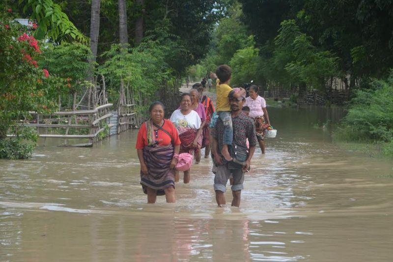 https: img.okezone.com content 2021 04 14 337 2394560 bnpb-lebih-dari-51-juta-keluarga-tinggal-di-daerah-rawan-bencana-oWSykMQFTl.jpg