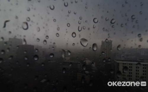 https: img.okezone.com content 2021 04 14 338 2394627 bpbd-jakarta-berpotensi-hujan-lebat-dengan-kilat-petir-hingga-pukul-17-35-wib-db8AhDDihB.jpg