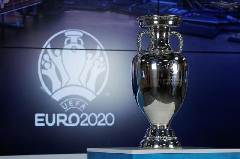 https: img.okezone.com content 2021 04 14 51 2394781 pertandingan-piala-eropa-2020-di-italia-bisa-dihadiri-25-persen-penonton-Qhb8aqdoQK.jpg