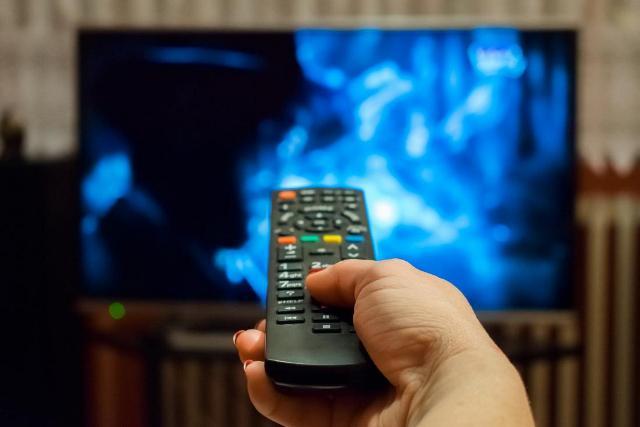 https: img.okezone.com content 2021 04 15 16 2395032 9-stasiun-televisi-swasta-lolos-seleksi-awal-penyelenggara-multipleksing-xXQuT3ebWt.jpg