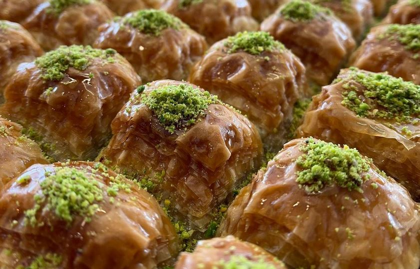 https: img.okezone.com content 2021 04 15 301 2394923 gak-perlu-jauh-jauh-ke-turki-begini-cara-bikin-baklava-untuk-buka-puasa-PbQ4UGsOuH.JPG