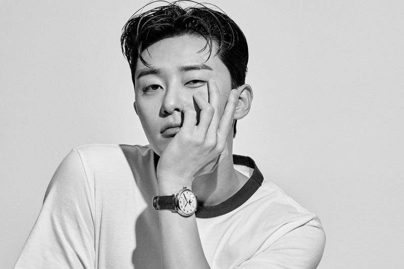 https: img.okezone.com content 2021 04 15 33 2395340 rayakan-10-tahun-debut-park-seo-joon-gelar-fanmeeting-virtual-dGDwBEc9fb.jpg