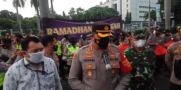 https: img.okezone.com content 2021 04 15 338 2395470 polres-jakpus-gelar-empaty-building-ramadhan-barokah-oZbzN3ImxE.jpg