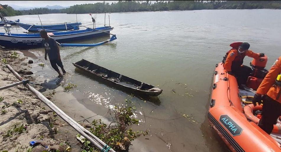 https: img.okezone.com content 2021 04 15 340 2395114 cari-nelayan-hilang-tim-bpbd-dihadang-banyak-buaya-muara-WWdk2Ig8CM.JPG