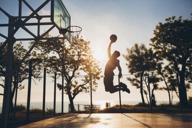 https: img.okezone.com content 2021 04 15 36 2395358 teknik-rebound-dalam-bola-basket-wVTQqAg3L2.jpg