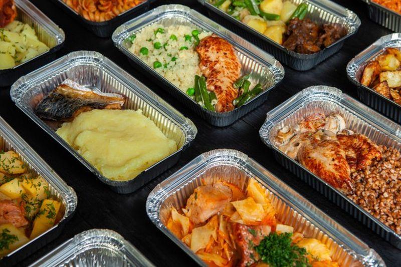 https: img.okezone.com content 2021 04 16 406 2396026 5-maskapai-dengan-sajian-makanan-terbaik-di-dunia-indonesia-termasuk-e2xLYZjLwO.jpg