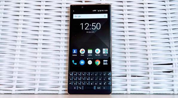 https: img.okezone.com content 2021 04 17 16 2396156 kangen-keyboard-fisik-blackberry-siap-hadirkan-ponsel-5g-meluncur-mei-6CiSYkbUZr.jpg