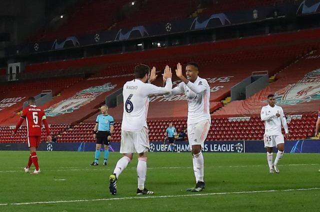 https: img.okezone.com content 2021 04 17 261 2396126 legenda-barcelona-ini-jagokan-real-madrid-mentas-di-final-liga-champions-2020-2021-1anPz8OxbV.jpg