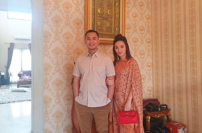 https: img.okezone.com content 2021 04 17 33 2396320 bantah-suami-bangkrut-zaskia-gotik-orang-mau-ngomong-apa-terserah-EMx7xM5tvy.jpg
