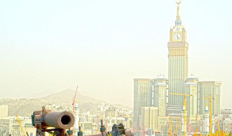 https: img.okezone.com content 2021 04 17 614 2396335 peran-meriam-tua-pengingat-masuknya-ramadhan-di-utara-kota-makkah-tergerus-teknologi-pu6G1upsVq.jpg