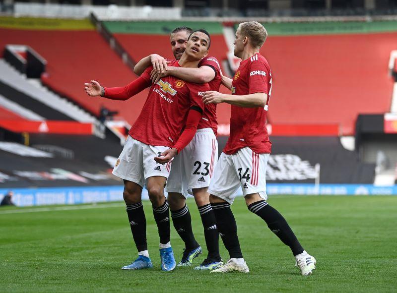 https: img.okezone.com content 2021 04 18 45 2396798 berkat-gol-greenwood-dan-cavani-man-united-menang-3-1-atas-burnley-6Ty1LKbT9n.JPG