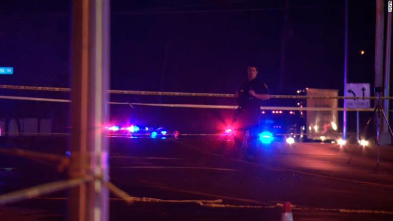 https: img.okezone.com content 2021 04 19 18 2396903 penembakan-di-ohio-1-tewas-ditembak-mati-di-kepala-5-terluka-OsvCMEBDcR.jpg