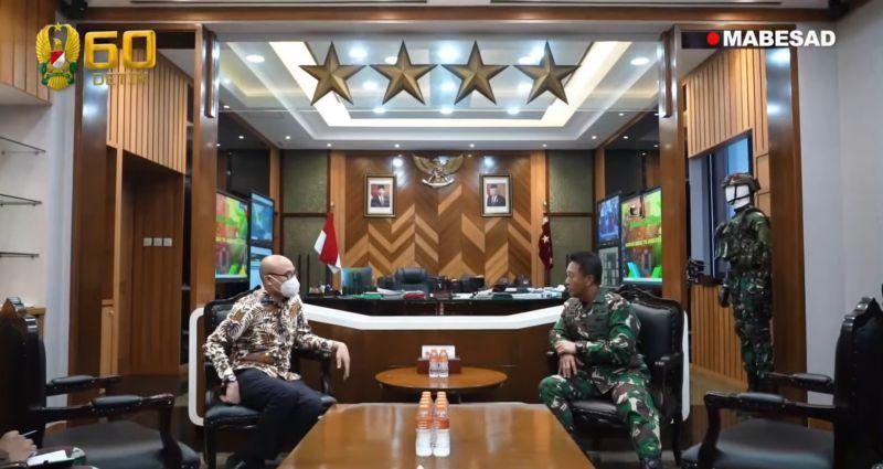 https: img.okezone.com content 2021 04 19 337 2396918 ksad-terima-kunjungan-dubes-indonesia-untuk-prancis-bahas-perkembangan-teknologi-militer-h2kgFfwoBZ.jpg