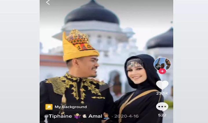 https: img.okezone.com content 2021 04 19 337 2397097 bikin-iri-model-cantik-asal-perancis-pilih-jadi-mualaf-dan-menikahi-pria-aceh-agHfXwKocz.jpg