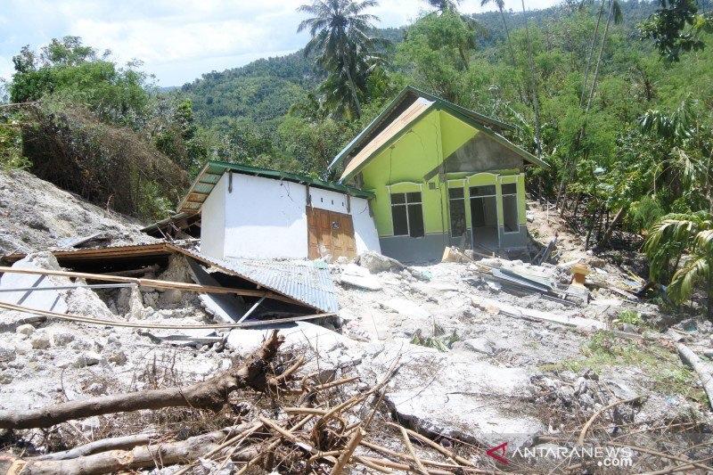 https: img.okezone.com content 2021 04 19 340 2397357 335-kk-korban-banjir-masih-tempati-kamp-pengungsian-di-kupang-ntt-k33tQZCfxM.jpg