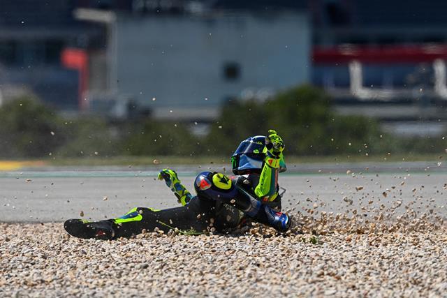 https: img.okezone.com content 2021 04 19 38 2397062 melempem-hingga-seri-ketiga-motogp-2021-valentino-rossi-banyak-alasan-wykQVkheuO.jpg