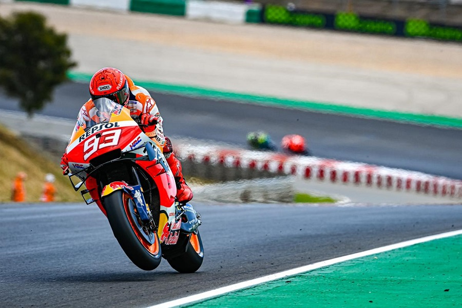 https: img.okezone.com content 2021 04 19 38 2397434 motogp-portugal-2021-berakhir-manis-untuk-marc-marquez-n6LSA1ZfKX.jpg
