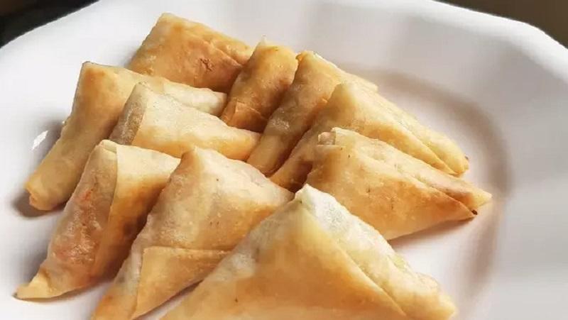 https: img.okezone.com content 2021 04 20 298 2397654 resep-samosa-isi-ayam-menu-takjil-enak-ala-timur-tengah-JzJAT7FjUS.jpg