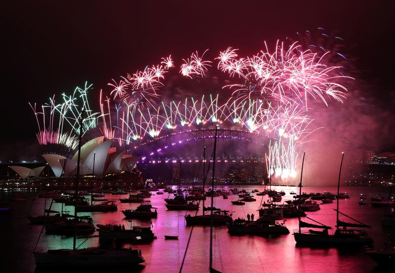 https: img.okezone.com content 2021 04 20 406 2397607 australia-dan-singapura-segera-buka-travel-bubble-6a2iZBK5Va.jpg