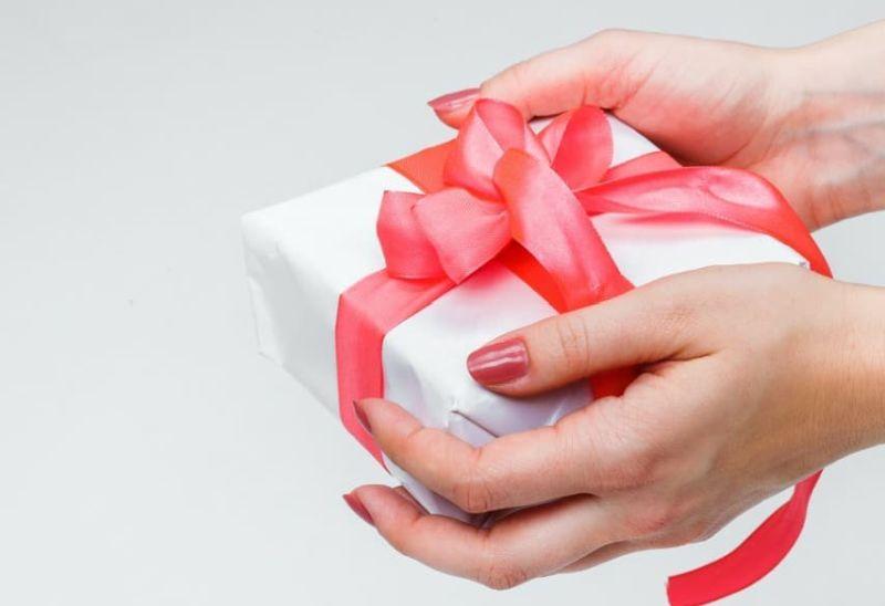 https: img.okezone.com content 2021 04 20 406 2398001 extraordinary-gift-kado-spesial-ramadan-dari-oakwood-hotel-residence-DX7wsA7X56.jpg