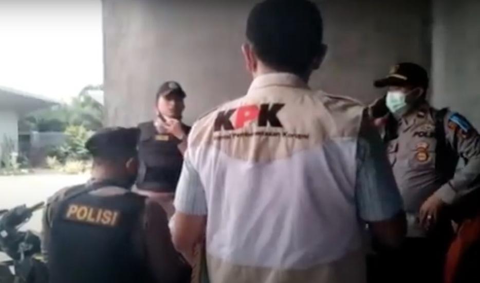 https: img.okezone.com content 2021 04 20 608 2397784 kpk-geledah-rumah-pribadi-wali-kota-tanjungbalai-syahrial-kasus-apa-FTRXbVPfsn.jpg