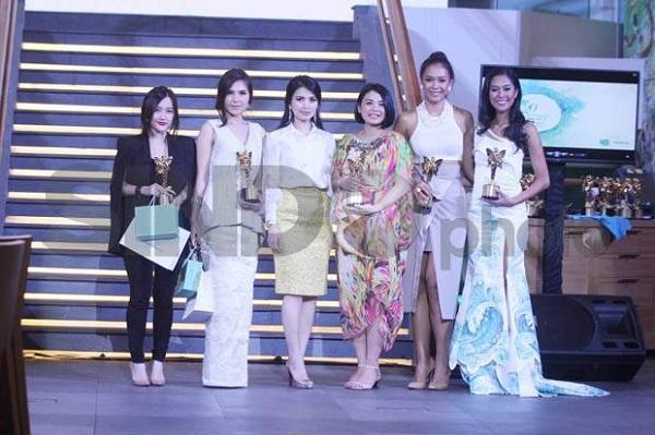 https: img.okezone.com content 2021 04 20 612 2397669 sambut-hari-kartini-indonesia-s-beautiful-women-2020-2021-apresiasi-21-perempuan-cantik-indonesia-W0HsseAd1n.jpg