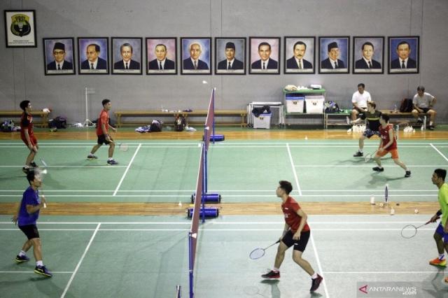 https: img.okezone.com content 2021 04 21 40 2398668 tim-ganda-putra-indonesia-selesaikan-ujian-fiik-pelatih-masih-banyak-yang-harus-ditingkatkan-Puni1SaE82.jpg