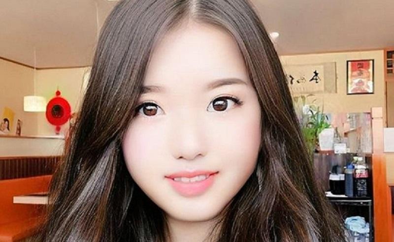 https: img.okezone.com content 2021 04 21 612 2398243 viral-pria-53-tahun-nyamar-jadi-gadis-20-tahun-cantiknya-gak-main-main-B4kaM7t9c9.jpg