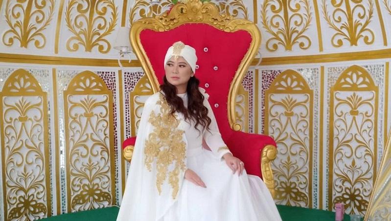 https: img.okezone.com content 2021 04 22 33 2399022 yendri-kim-bantah-telantarkan-cucu-tiara-marleen-hwviYtZg6J.jpg