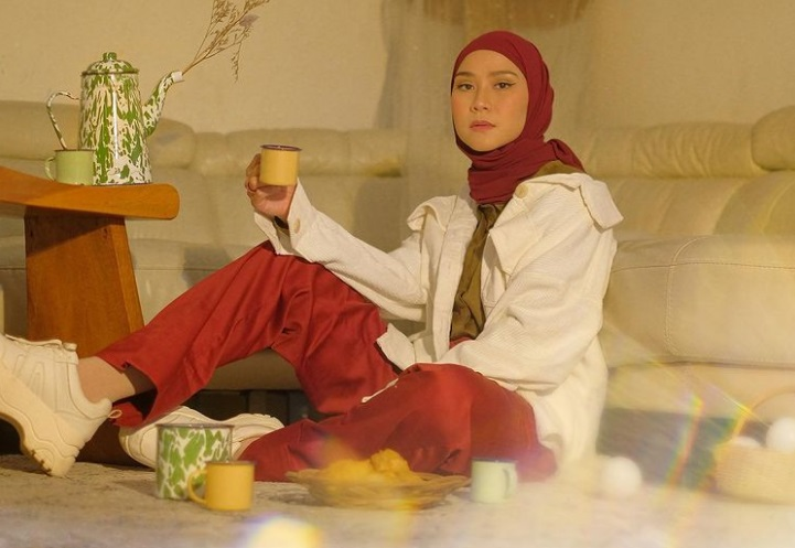 https: img.okezone.com content 2021 04 22 33 2399078 dengar-orang-bangunkan-sahur-dengan-toa-masjid-zaskia-mecca-etis-enggak-sih-dhh2OGbfP8.jpg