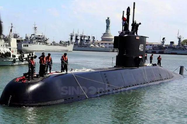 https: img.okezone.com content 2021 04 22 337 2398751 bagaimana-cara-kapal-selam-tunjukkan-posisinya-saat-alami-masalah-di-laut-bDB9qnEju1.jpg