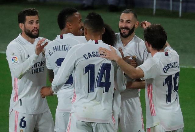 https: img.okezone.com content 2021 04 22 46 2398758 bantai-cadiz-real-madrid-puncaki-klasemen-liga-spanyol-2020-2021-pTdxaJdrCw.jpg