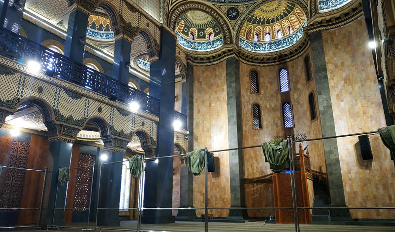 https: img.okezone.com content 2021 04 22 614 2398892 sholat-di-masjid-agung-al-hidayah-malang-serasa-di-hagia-sophia-di-turki-xFwIkV9fTB.jpg