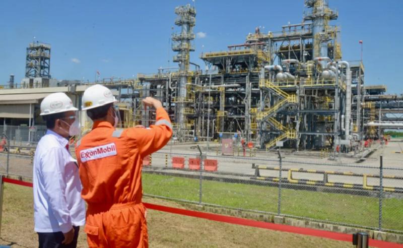 https: img.okezone.com content 2021 04 23 320 2399488 produksi-minyak-terbesar-di-indonesia-blok-cepu-setor-pendapatan-negara-rp652-triliun-W5mQNXtezB.png