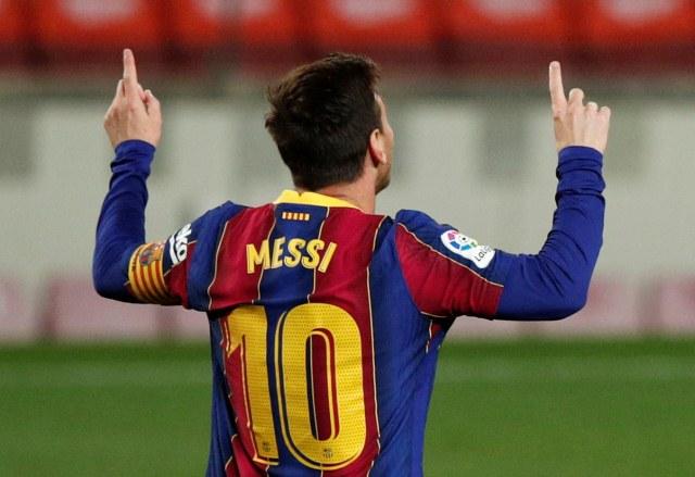 https: img.okezone.com content 2021 04 23 46 2399381 daftar-top-skor-liga-spanyol-lionel-messi-menjauh-dari-kejaran-karim-benzema-FTgYithoNb.jpg