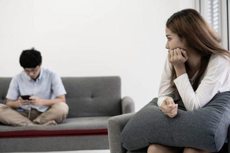 https: img.okezone.com content 2021 04 23 612 2399686 punya-pacar-introvert-ini-4-cara-pacaran-agar-langgeng-DcPwHGMCxX.jpg