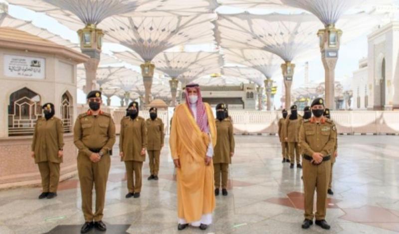 https: img.okezone.com content 2021 04 23 614 2399709 99-polwan-dilatih-khusus-amankan-masjid-nabawi-selama-ramadhan-gbJMdpDtqD.jpg