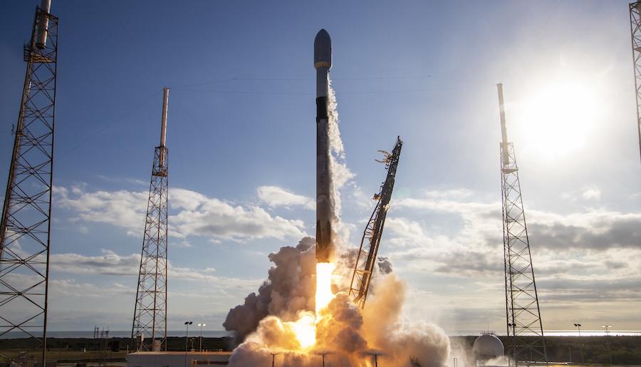https: img.okezone.com content 2021 04 24 16 2400015 kemarin-spacex-kirim-astronot-ke-iss-hingga-conjuring-3-rilis-teaser-pJUlf47T7s.jpg