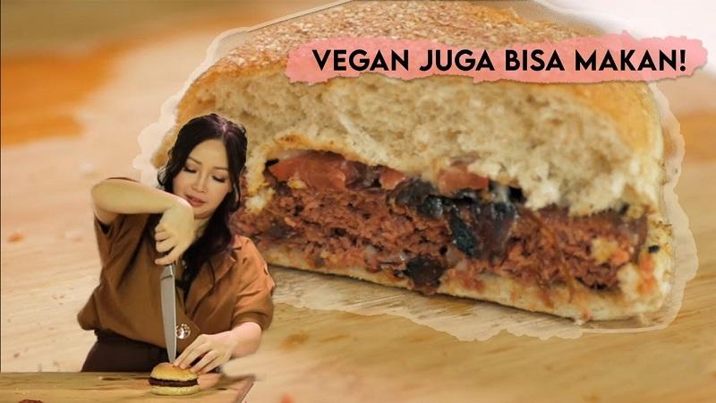 https: img.okezone.com content 2021 04 24 298 2400039 chef-marinka-bagi-resep-sate-vegan-dan-creamy-coffee-choco-pudding-untuk-buka-puasa-sehat-Ec2mbi0iAL.jpeg
