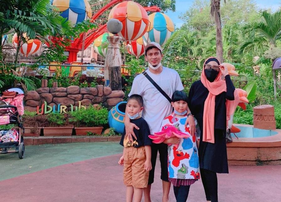 https: img.okezone.com content 2021 04 24 40 2400176 jelang-malaysia-open-2021-mohammad-ahsan-nikmati-bulan-ramadan-bersama-keluarga-w0opZe0BD9.jpg