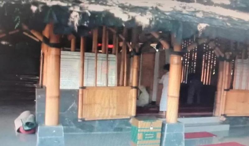 https: img.okezone.com content 2021 04 24 614 2399934 masjid-ash-shamad-hadir-jadi-oase-di-kota-cirebon-bersuhu-udara-panas-6Mx1XkJ8Vr.jpg