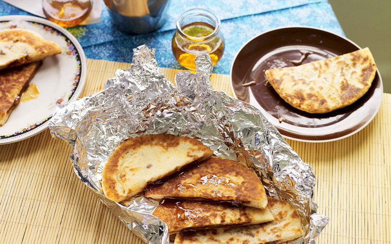 https: img.okezone.com content 2021 04 25 301 2400392 hotteok-pancake-manis-korea-untuk-buka-puasa-begini-cara-bikinnya-0XPeRVVaVl.jpg