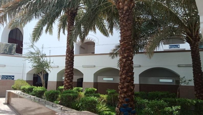 https: img.okezone.com content 2021 04 25 406 2400360 arab-saudi-tutup-782-masjid-karena-corona-XnV83Y2ExR.jpg