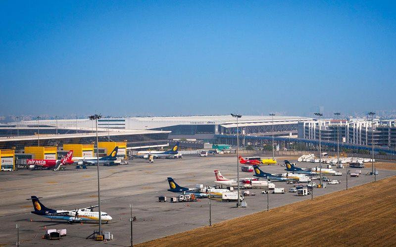 https: img.okezone.com content 2021 04 26 406 2400989 curhat-para-ekspatriat-yang-terjebak-di-india-usai-penerbangan-ditutup-CshqIwYvJ7.jpg