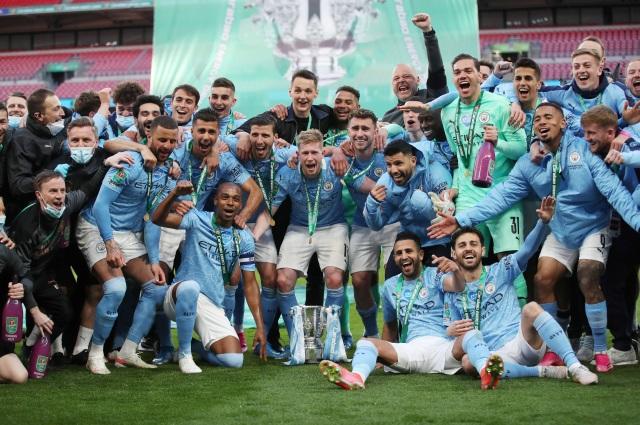 https: img.okezone.com content 2021 04 26 45 2400630 juara-piala-liga-inggris-manchester-city-samai-rekor-liverpool-UlQRFZTB5h.jpg