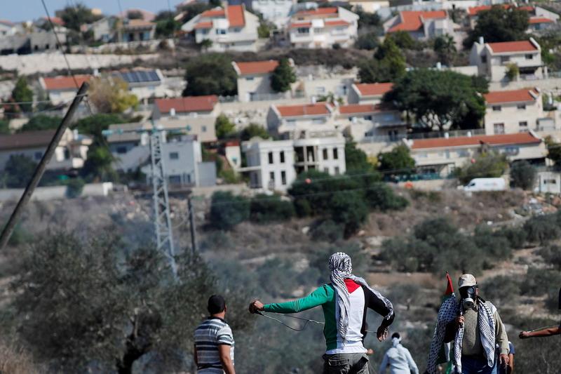 https: img.okezone.com content 2021 04 27 18 2401713 pengawas-ham-internasional-israel-lakukan-kejahatan-apartheid-terhadap-palestina-vI42Ei5mmA.jpg