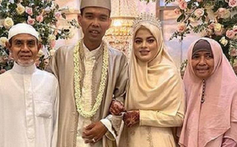 https: img.okezone.com content 2021 04 28 194 2402444 makna-henna-seperti-yang-dipakai-fatimah-saat-menikah-dengan-ustadz-abdul-somad-yO3rZ11g1e.jpg