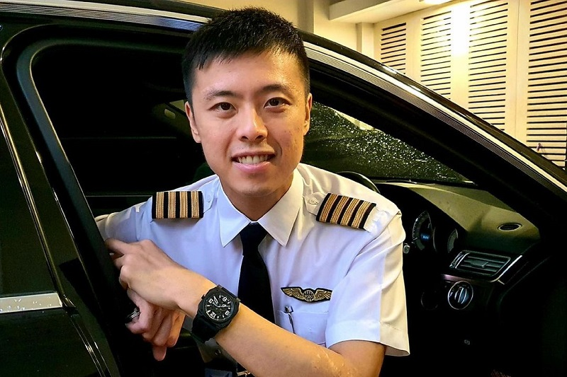https: img.okezone.com content 2021 04 28 33 2402121 tuding-istri-selingkuh-kapten-vincent-raditya-siap-berpisah-OJ13MNCGDN.jpg